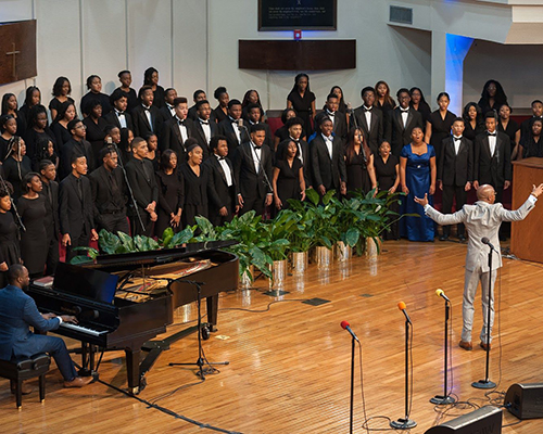 Oakwood University Church mass choir of high school students