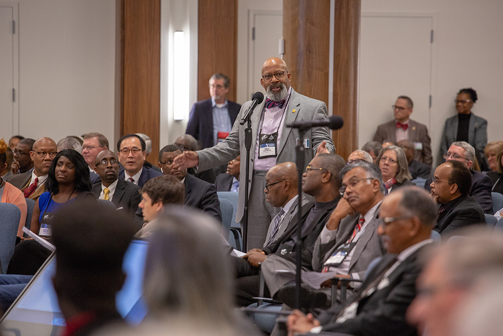 Paul Anderson addresses the floor during the 2018 NAD Year-End Meeting discussion on the division's response to the GC document. Photo by Pieter Damsteegt