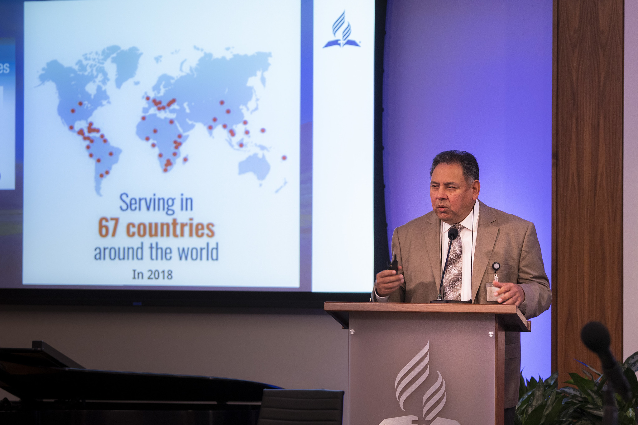 Ernest Hernandez, director of the Office of Volunteer Missions, shares a report on volunteer and missionary activity in the NAD. Photo by Pieter Damsteegt