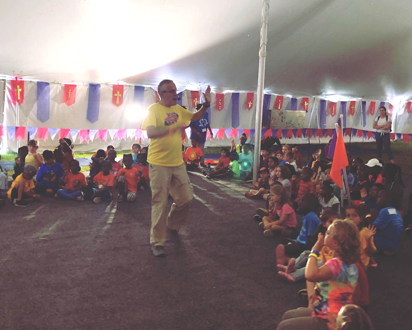 "Ben Roy from ""The Science Zone"" gives a presentation in the ""Castle of Camporee."" Photo: Gerry Lopez/NAD Children's Ministries"