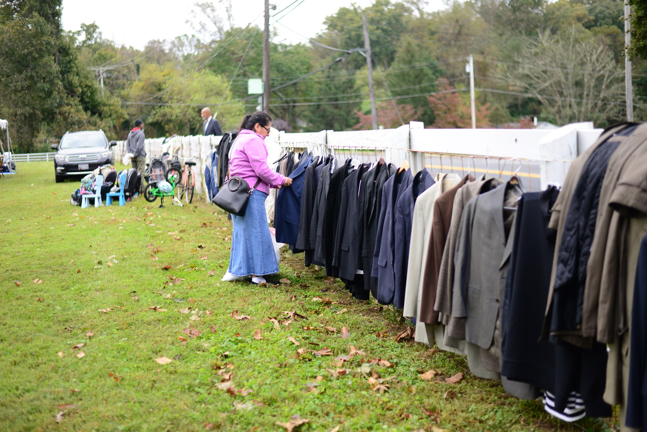 Each year Brinklow church organizes a free yard giveaway for the public (Photo: Sheldon Kennedy)