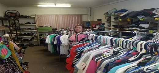 Blythe church gives away clothing during visitor's 3-day stay at the church after crossing the U.S. southern border