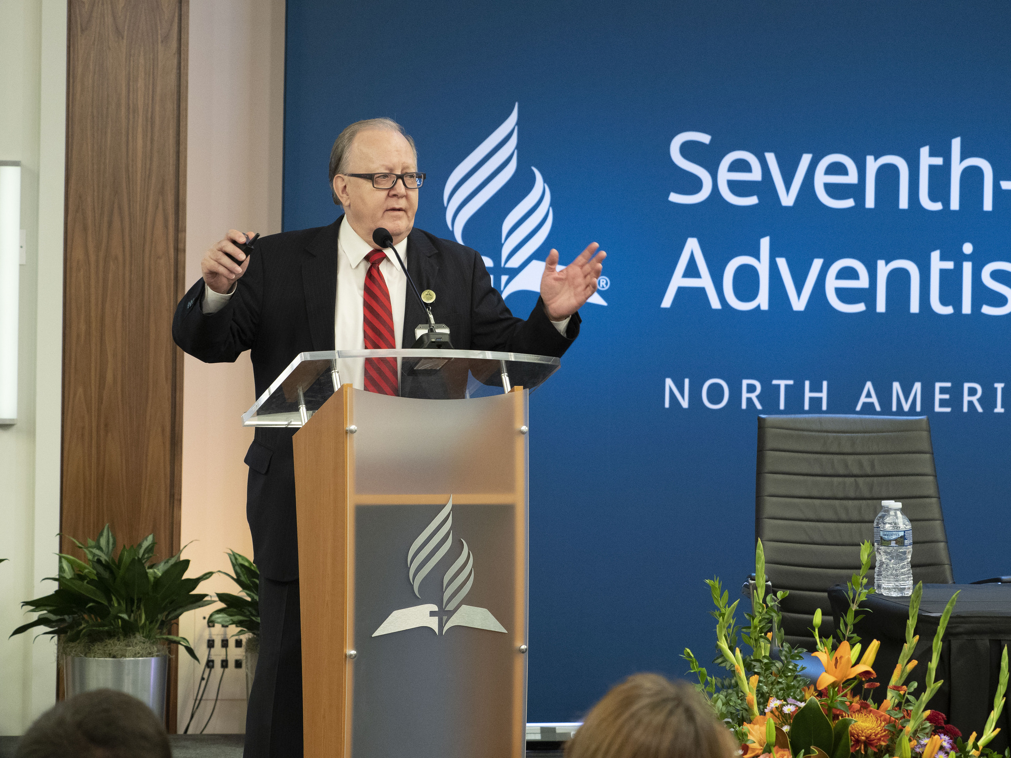 Daniel R. Jackson, president of the Seventh-day Adventist Church in North America (NAD), presents his report during the first business session of the 2018 NAD Year-End Meeting. Photo by Mylon Medley