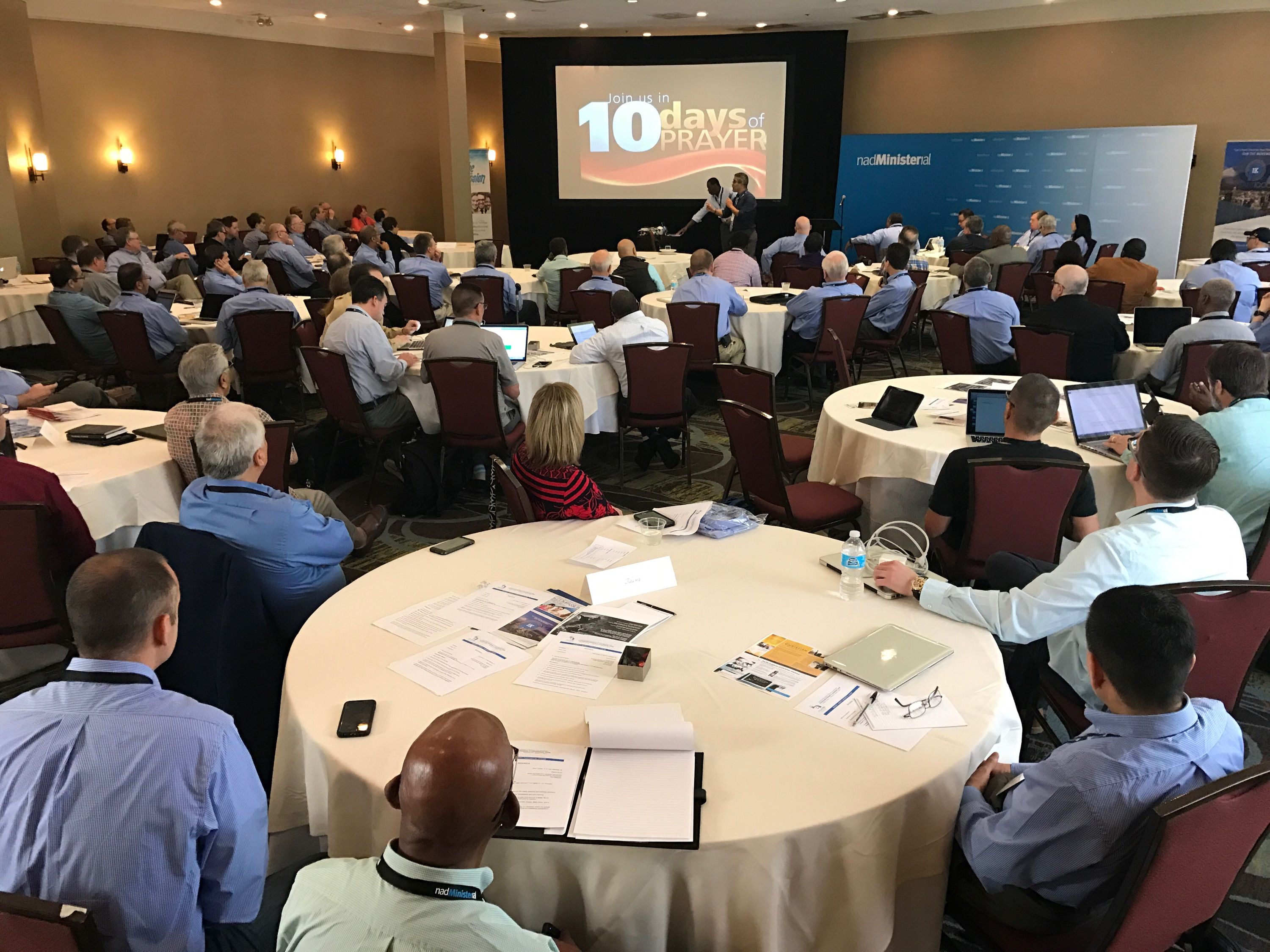 At The eHuddle, Attendees Engage in Evangelistic Leadership