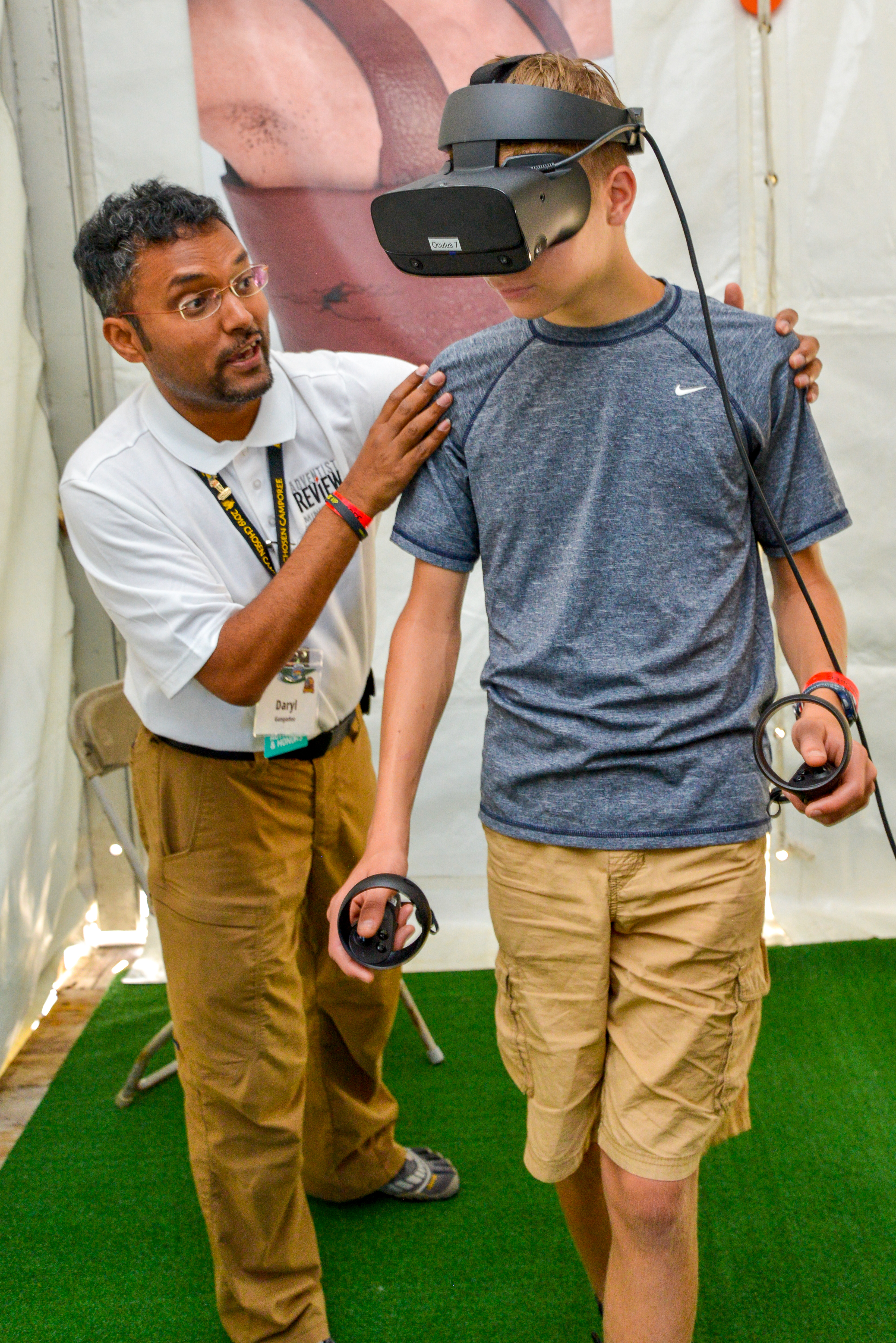 Adventist Review Ministries offered a unique, high-tech experience to Pathfinders at the 2019 Chosen International Camporee with a virtual reality Bible game and specialized David and Goliath Chosen pins.