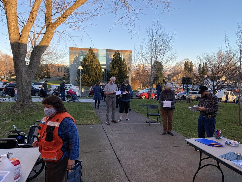 Line outside for Walla Walla vaccination event on Jan. 19, 2021